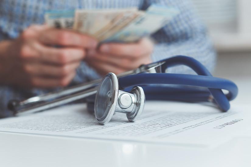 Wann private Krankenversicherungs-Beiträge für das Kind zum Unterhalt gehören